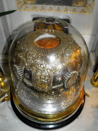 Racla unde se afla cinstitul cap al Sfantului Nectarie
